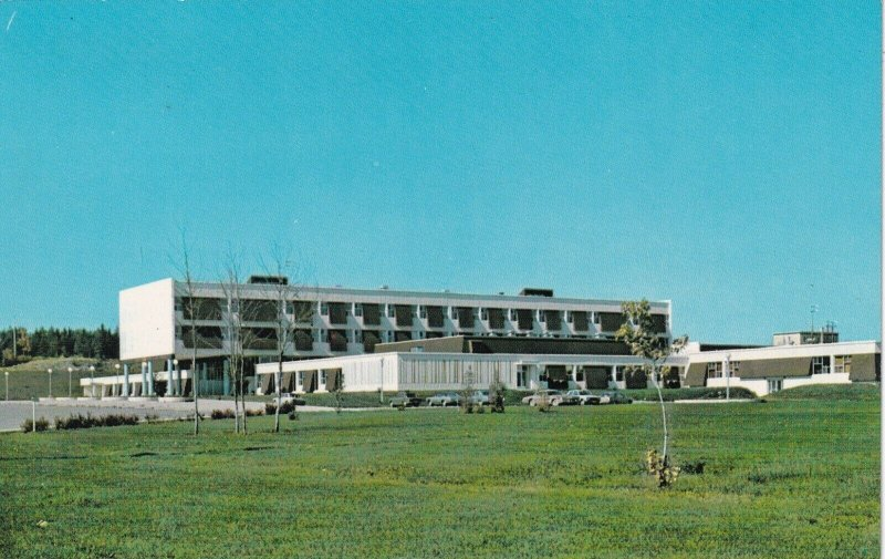 CABANO , Quebec, 1986 ; Ecole Polyvaleno, High School