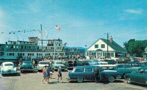 USA The M.V. Mount Washington at Dockside Wolfeboro 04.49