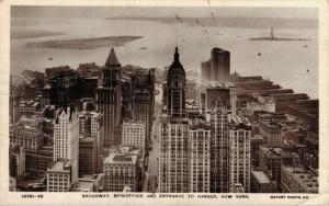 USA Broadway Downtown and entrance to Harbor New York 01.77