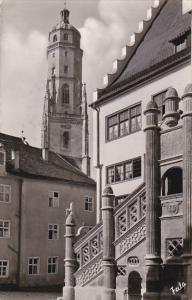 Germany Noerdlingen Rathaustreppe mit dem Daniel Turm der St Georgskirche 195...