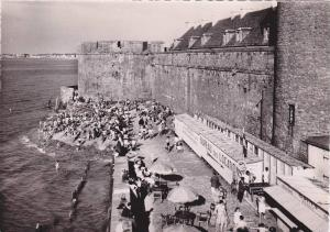 RP; ST. MALO, La Plage l'Eventail et la Tour des Dames, Ille et Vilaine, Fran...