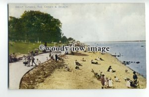 h1245 - Isle of Wight - The Green and Beach c1950s, at West Cowes - Postcard