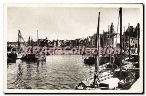 Postcard Old Croisic Port is high and the Quays Maree