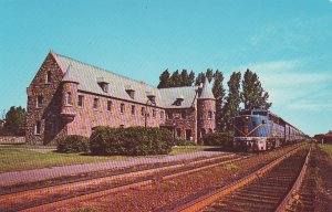 P1292 vintage postcard the laurentian delaware & hudson train @ lacolle quebec