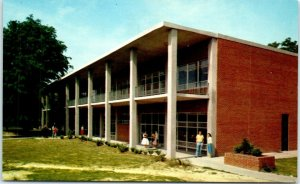 Postcard Jackson Mississippi MS Student Union Millsaps College Vintage VTG B1