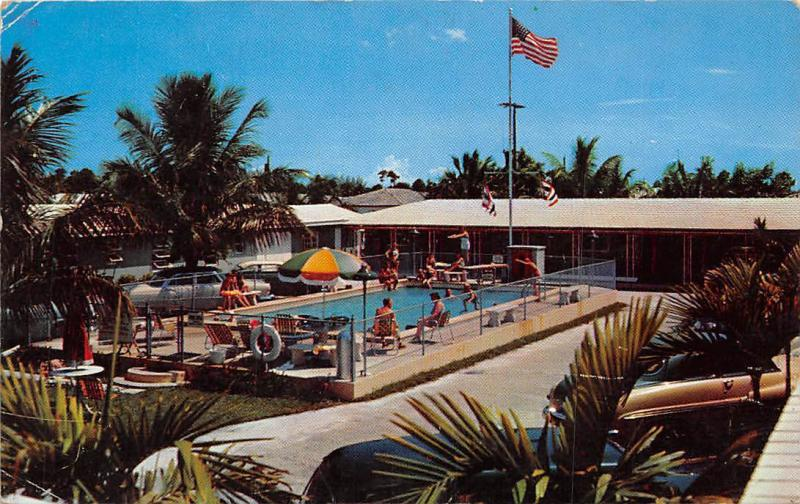 USA Hotel Swimming Pool Vintage Cars