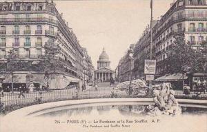 France Paris Le Pantheon et la Rue Soufflot