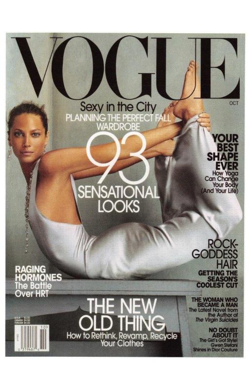 Postcard VOGUE Magazine Iconic Cover Fashion Sexy in the City October 2002