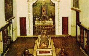 CA - Carmel. Mission San Carlos Borromeo, Sarcophagus