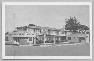 Clearwater Florida~Wagon Wheel Motel~B&W~Neon Sign~50s Car~1950s