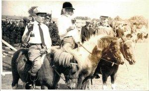 Hippique sport horses group children on their pony 1961 RPPC 03.95