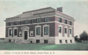 GRAND FORKS , North Dakota , 1910 ; Library of N.D.