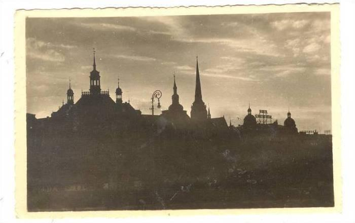 RP; Evening Scene, In the Shadows, Plzen, Czech Republic, 00-10s