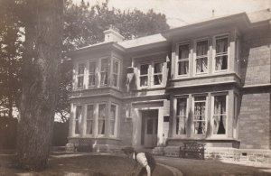 RP: LONDON , England , 1913 ; Mansion