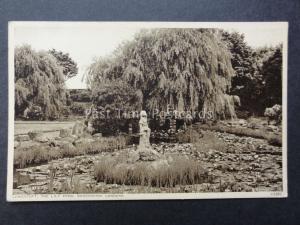 Suffolk: Lowestaft, The Lily Pond, Kensington Gardens - Old Postcard
