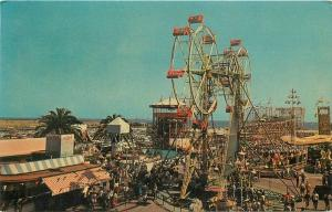 Amusement 1960s Nu-Pikes Double Ferris Wheel Long Beach California postcard 6585