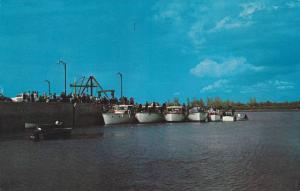 Boats at Quai , MONTMAGNY , Quebec , Canada,  50-60s
