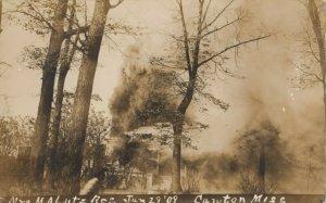 RP: CAWTON , Massachusetts, 1909 ; Mrs MaLutz House Fire