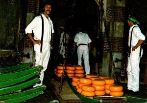 Netherlands Alkmaar Het Wegen Van De Kaas Cheese Makers