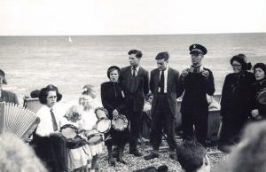 Nostalgia Postcard 1954 Salvation Army on Brighton Beach Reproduction Card NS22