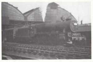 Patriot Stephenson 5529 Train At London Road Manchester Station in 1947 Postcard