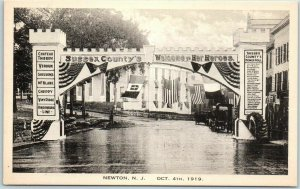 1919 Newton, New Jersey Postcard World War I Victory Arch / Street View - UNUSED