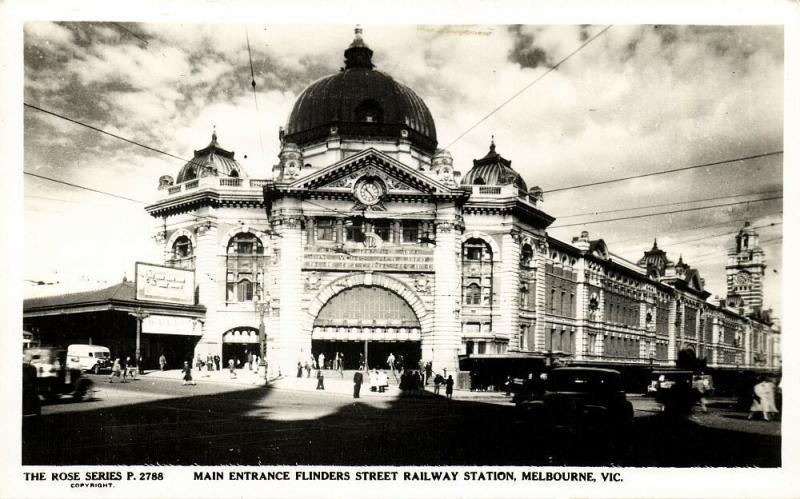 australia, MELBOURNE, Vic., Main Entrance Flinders Street Railway Station 1950s