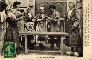 CPA Les Accordailles (612960)
