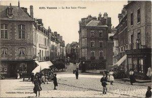 CPA VANNES-La Rue St-Vincent (27558)