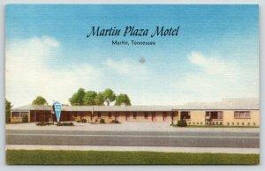Martin Tennessee~Martin Plaza Motel~Sign in Front~1940s Roadside Postcard