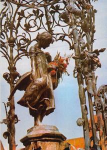 Goettingen Das Gaenseliesel Statue