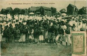 CPA TANANARIVE Une Fete des Enfants indigenes MADAGASCAR (709617)