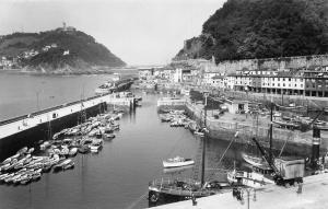 Spain Espana San Sebastian Pier of Fishermen Mole Pecheurs Pescadorres 1960