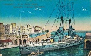 Italy Taranto R.N. Giulio Cesare attraversa il Canale Navigabile 04.31