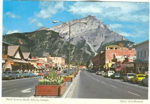 Canada, Banff Avenue, unused Postcard