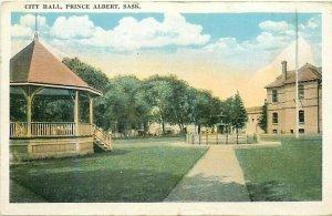 Canada, Saskatchewan, Prince Albert, City Hall, Tichnor 105494