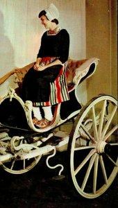 Frisian Chaise Carriage John Freeman Holland Michigan Freeman Studio YL4495