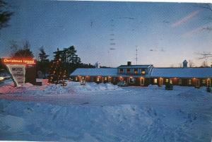 Christmas Island Motel Laconia NH Vintage Postcard