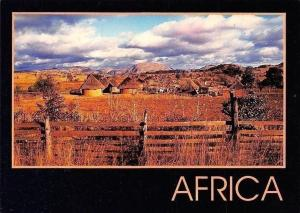 Zimbabwe Rural Village Partial view Houses, Fence Maisons