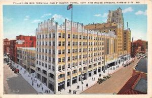 KANSAS CITY MISSOURI UNION BUS TERMINAL~PICKWICK HOTEL~10th & McGEE STs POSTCARD