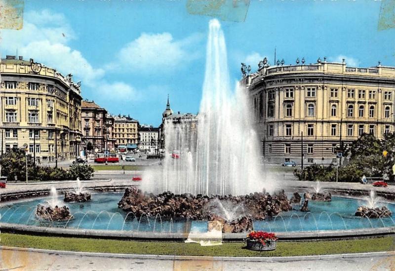 Wien Schwarzenbergplatz Vienna The Schwarzenberg Square Fountain