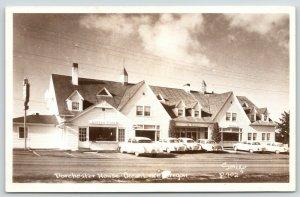 Ocean Lake Oregon~Dorchester House Hotel~Coffee & Gift Shops~1950s Cars~RPPC