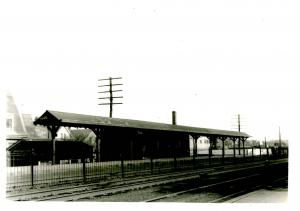 MA - East Lynn RR Depot  ca. 1920 *REAL PHOTO (5 X 7). Not a Postcard