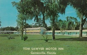 GAINESVILLE , Florida, 1950-60s ; Tom Sawyer Motor Inn