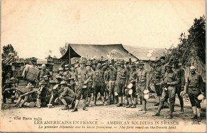 Vtg Cartolina WW1 Americana Soldati IN Francia Primo Meal On Francese Terra