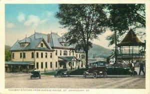 St Johnsbury Vermont Railway Station Avenue House C-1910 Postcard 21-10664