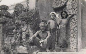RP:  BALI , Indonesia , 1910-30s ; Old Man & 2 Kids