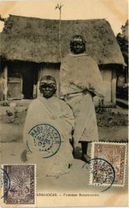 CPA Femmes Bezanozano MADAGASCAR (709479)