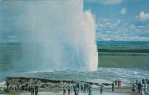 A natural phenomenon attracting tourists, The Great Geysir, PU-1955