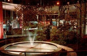 New York Corning Glass Center Hall Of Science Indoor-Outdoor Garden